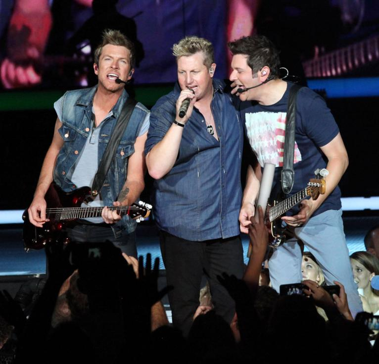 Rascal Flatts at Hollywood Casino Ampitheatre
